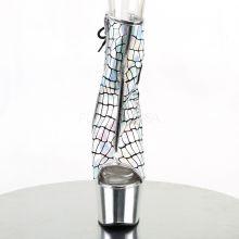 Llamativos botines efecto holograma metalizado acordonados detrás