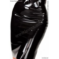 Falda de látex con ribete en contraste