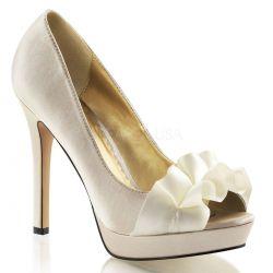 Zapatos de plataforma en satén de punta abierta y moño sobre los dedos