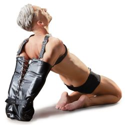 Saco bondage de cuero para inmovilizar los brazos con tirantes ajustables